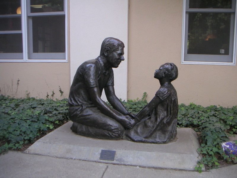 bronze sculpture of Arthur Cohn and his goddaughter
